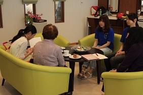 http://www.kurume-it.ac.jp/news/%E5%A5%B3%E5%AD%90%E3%82%AB%E3%83%95%E3%82%A7.JPG
