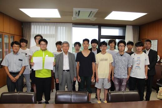 https://www.kurume-it.ac.jp/news/2019gogaku.JPG