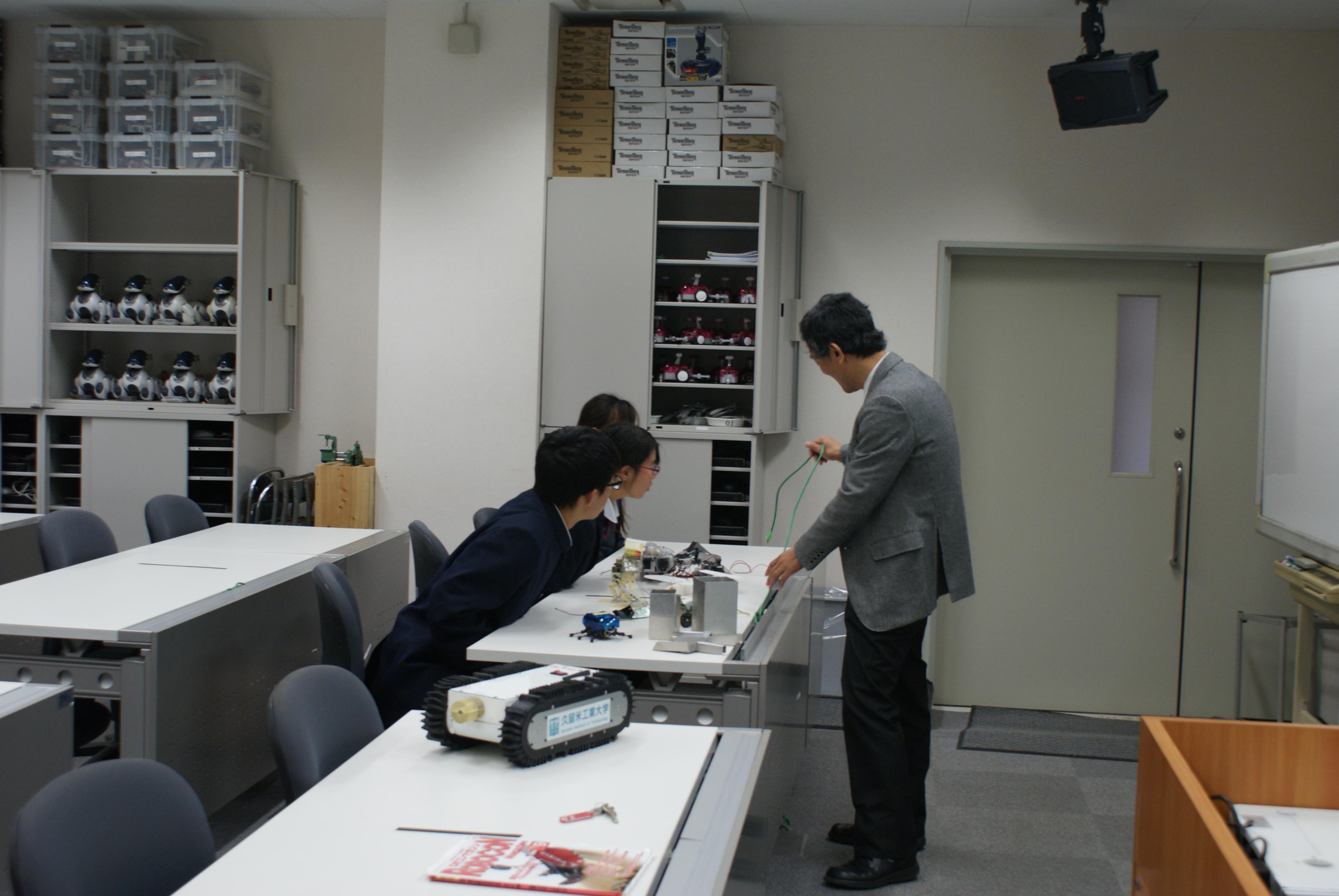 http://www.kurume-it.ac.jp/news/DSC04235.JPG