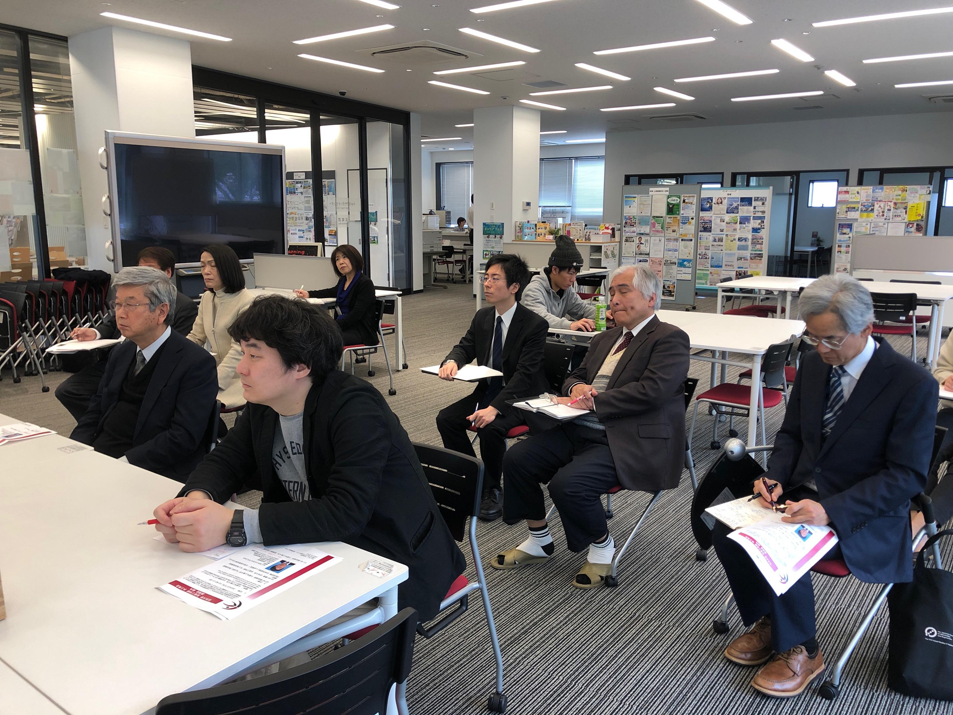 http://www.kurume-it.ac.jp/news/pdf/IMG_4589.JPG